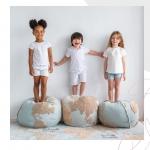 Chcesz zmienić wystrój pokoju Twojego dziecka? Co powiesz na mięciutką kolorową pufę?   Sprawdź najnowszą pufę ze wzorem mapy świata! 🌍😍  #backtoschool #pokojdziecka #powrotdoszkoly #dywany #dywandoprania #lorenacanals #lorenacanalsrugs #freetime #fun #pufa #pouffe #kidsroom #roominspiration