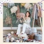 Zaczynamy nowy tydzień 😍  Znacie kobietę ze zdjęcia? ➡️ to projektantka i właścicielka - Lorena Canals - która tworzy i projektuje nasze piękne dywany i dodatki 😍  Czy wiecie, że nasze dywany są ręcznie tkane w Indiach? Na story możecie zobaczyć krótki filmik jak to wygląda 🤩🤩   Miłego poniedziałku ❤️  #hellomonday #poniedzialek #nowytydzien #lorenacanals #lorenacanalsrugs #dywanylorenacanals #dywanydoprania #wnetrze #dom #domoweinspiracje #wnetrzarskieinspiracje #wnetrzazesmakiem #dodatkidodomu #dodatkidownetrz